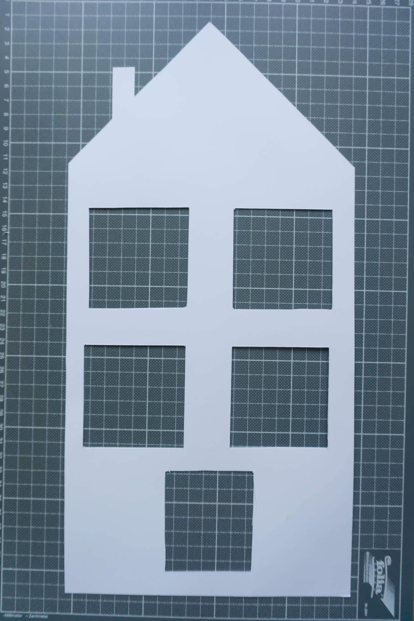ausgeschnittene Fenster und Tür