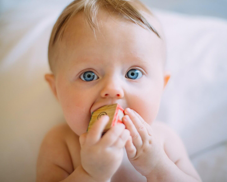 Baby zahnen
